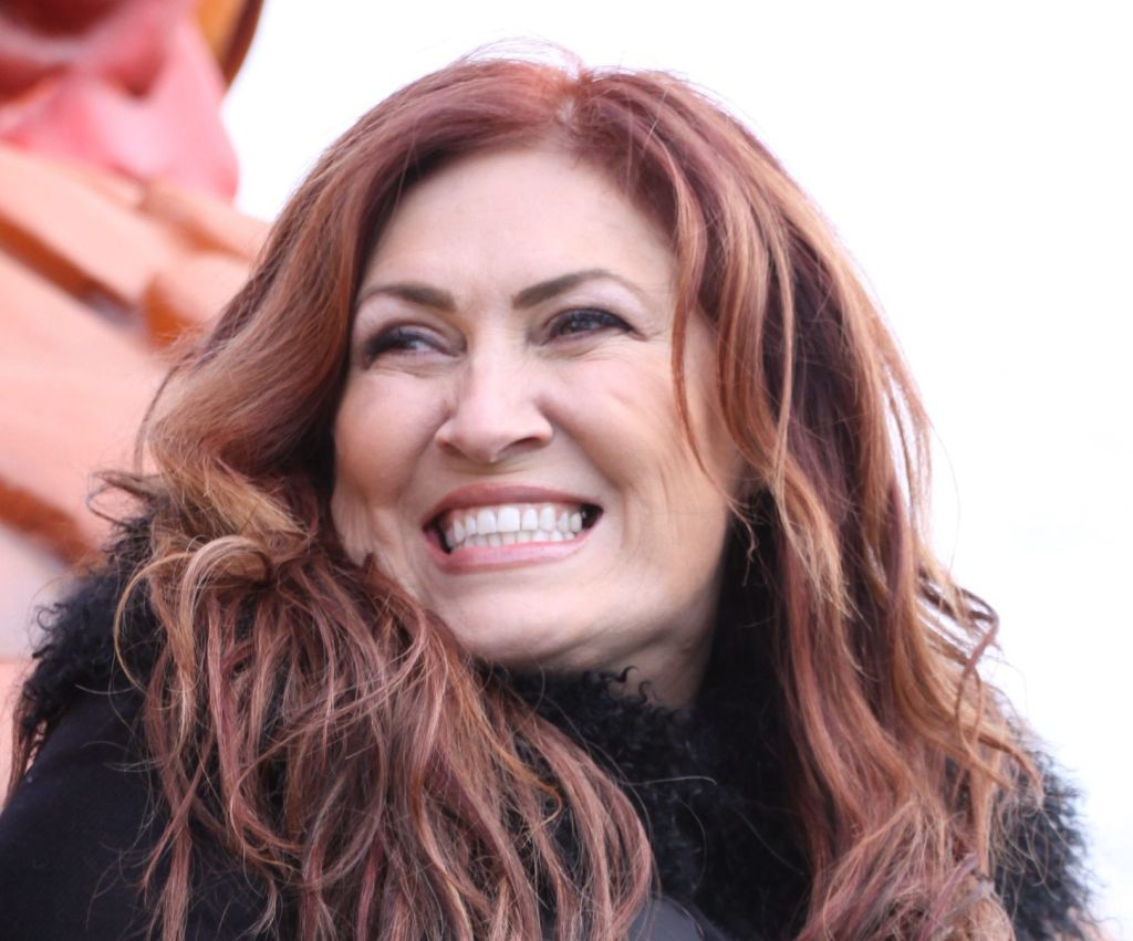 Country singer Jo Dee Messina performs live at the 2016 Thanksgiving Day Parade in Philadelphia