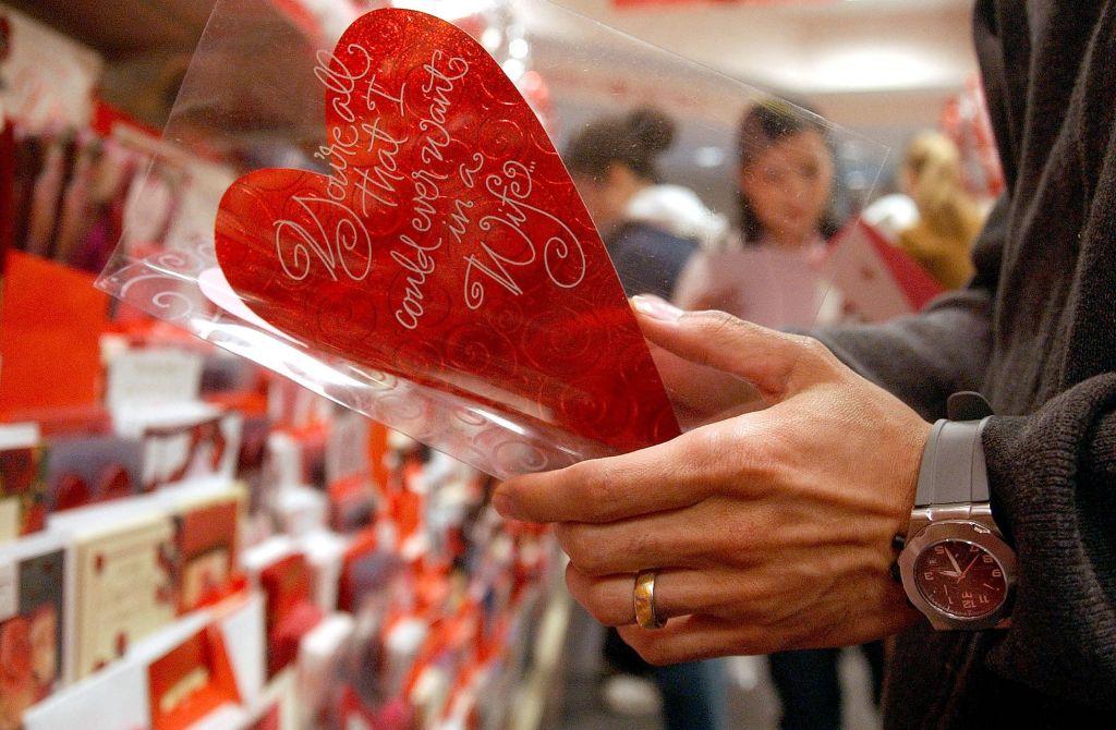 Valentine's Day Spirit Grips The U.S.