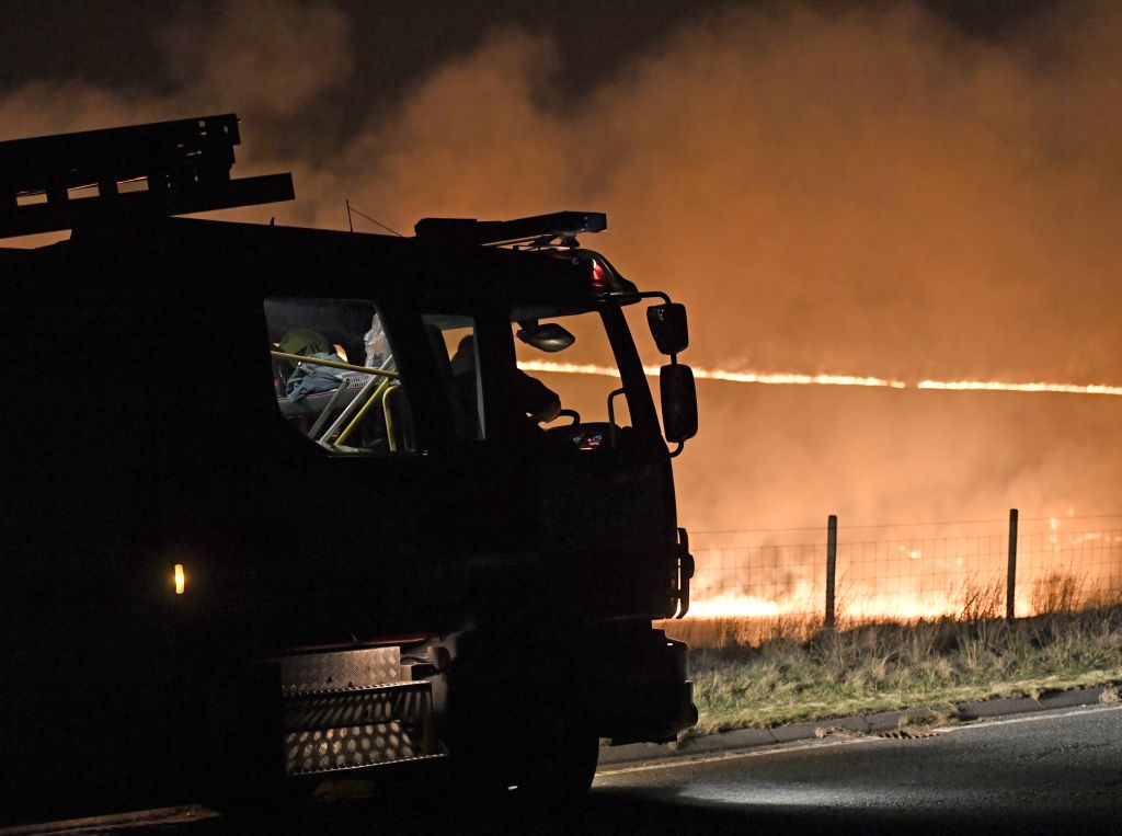 Huge wildfire burns on Saddleworth Moor