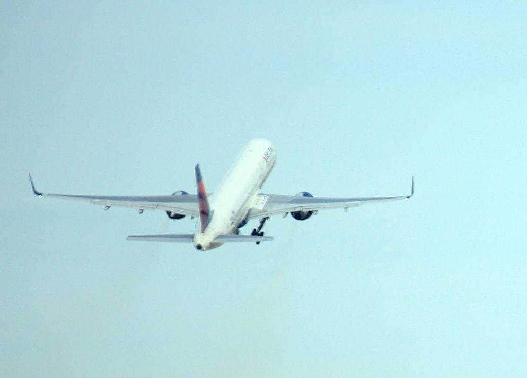 Planes at (JFK) John F. Kennedy International Airport