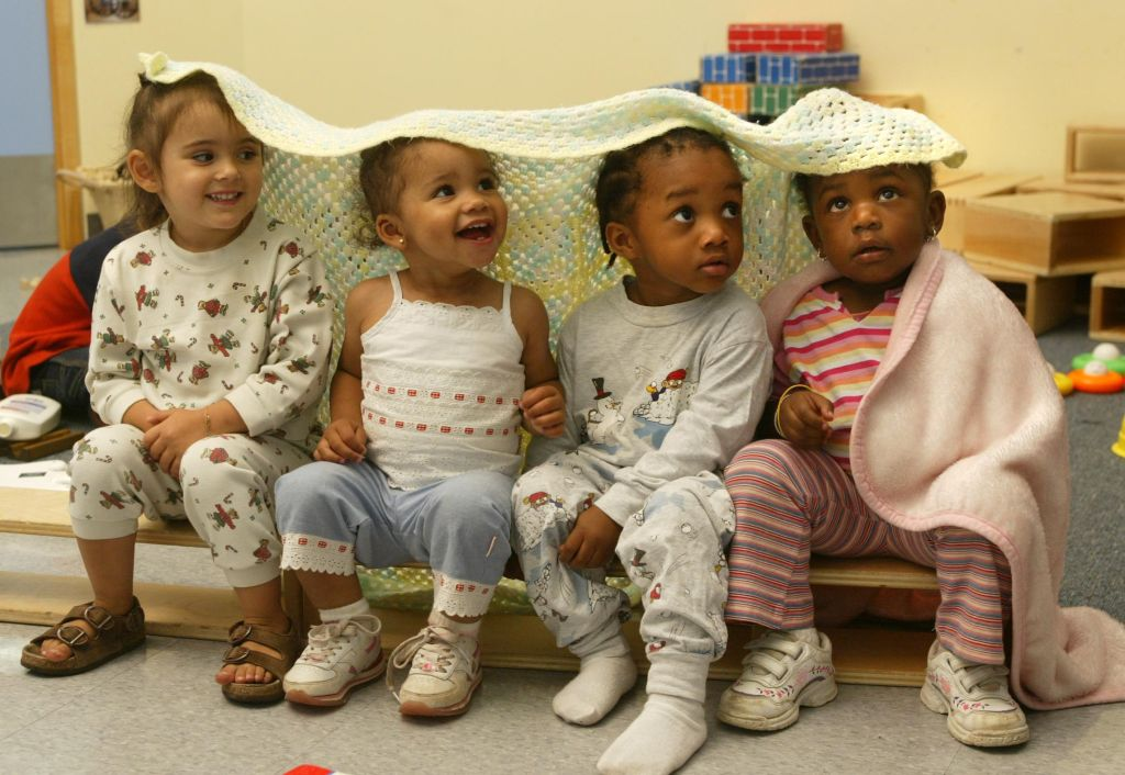 daycare RB02 09/22/04 Chinguacoussy evening daycare centre in Brampton . mother Shanett Alfred with