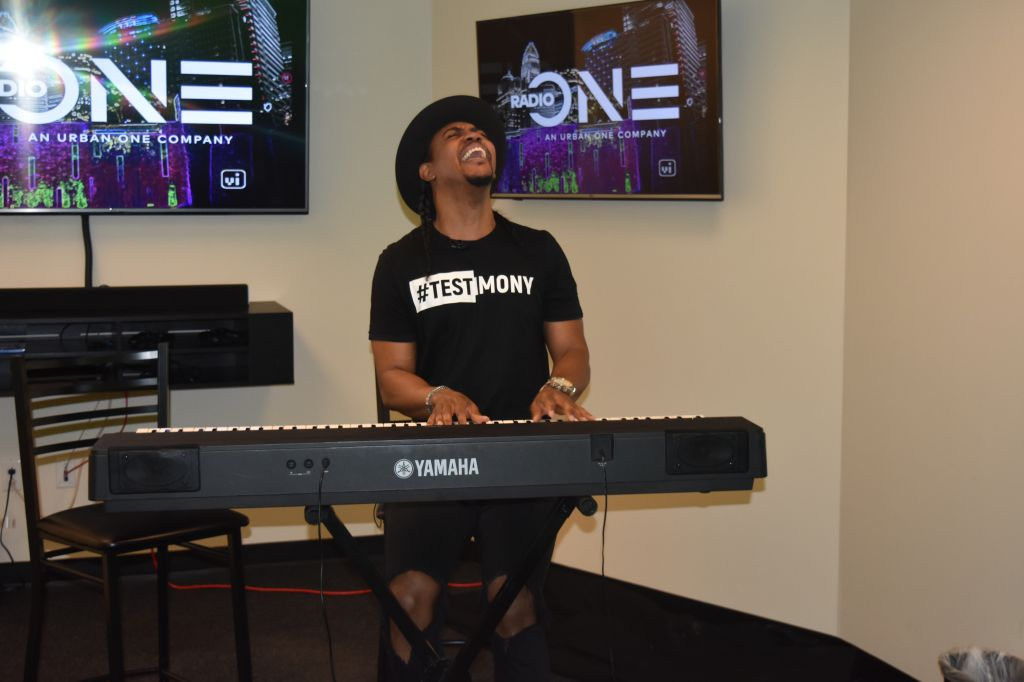 Rudy Currence Blesses The Praise 100.9 Social Studios